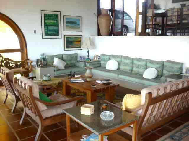 Casa para vender com vista para 3 praias em Ubatuba
