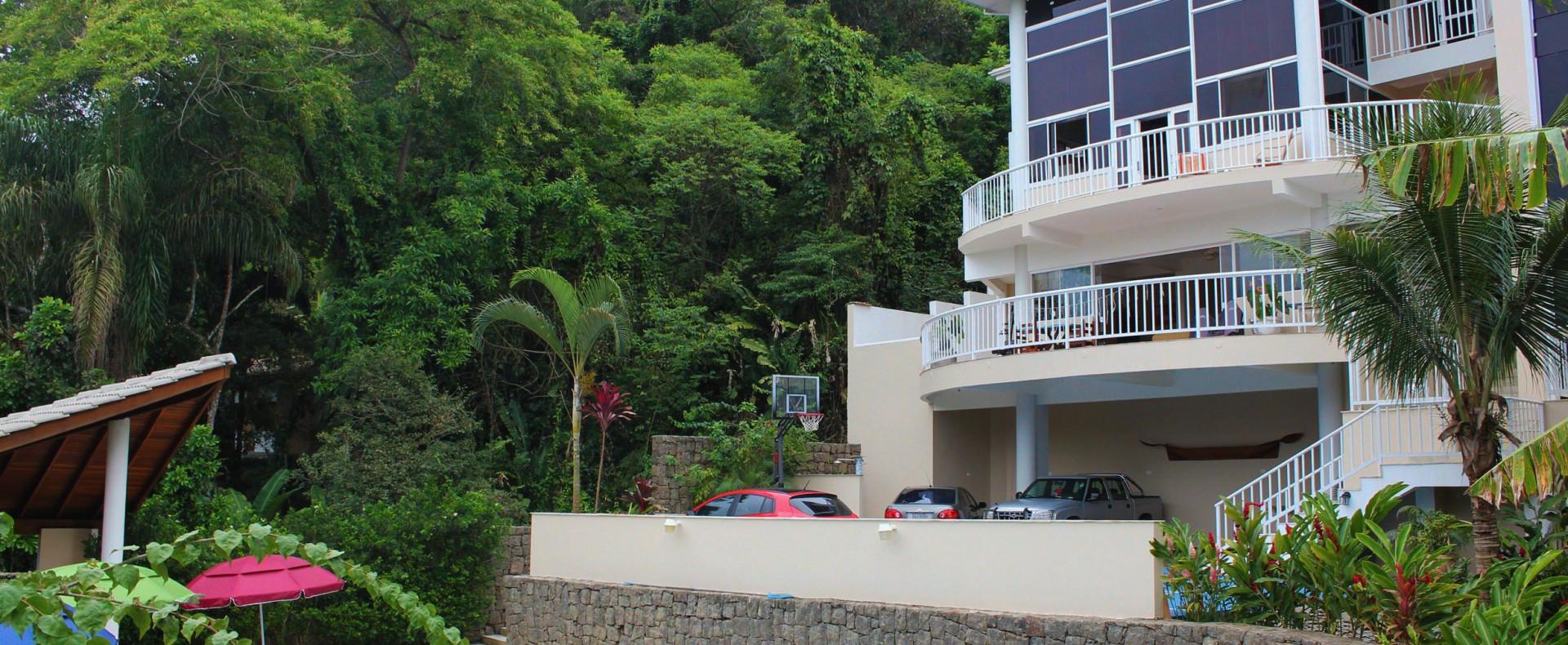 Linda casa na praia do Tenorio!