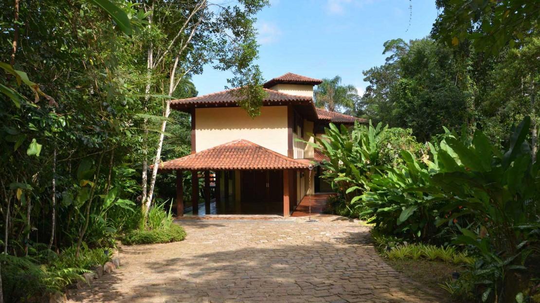 Casa Domingas Dias em Ubatuba para vender - Fachada