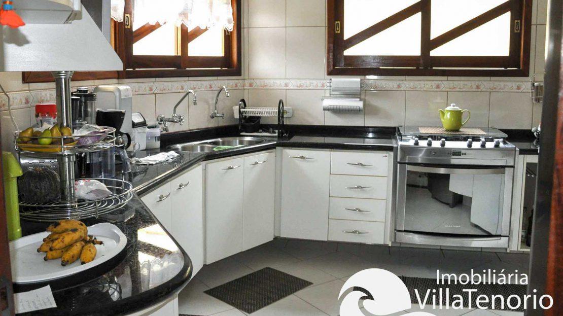Casa_Venda_Ubatuba_centro_cozinha
