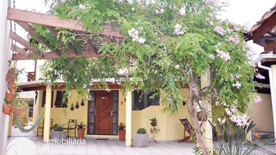 Casa_Venda_Ubatuba_centro_entrada