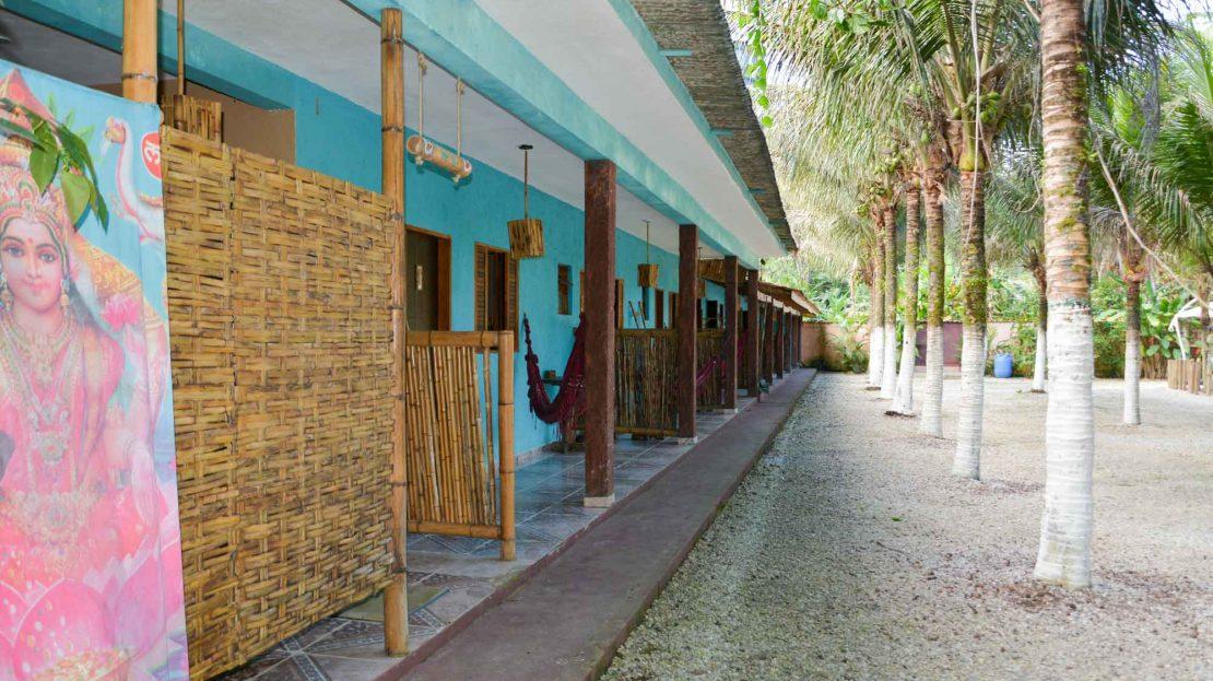 pousada para vender na praia de itamambuca em ubatuba