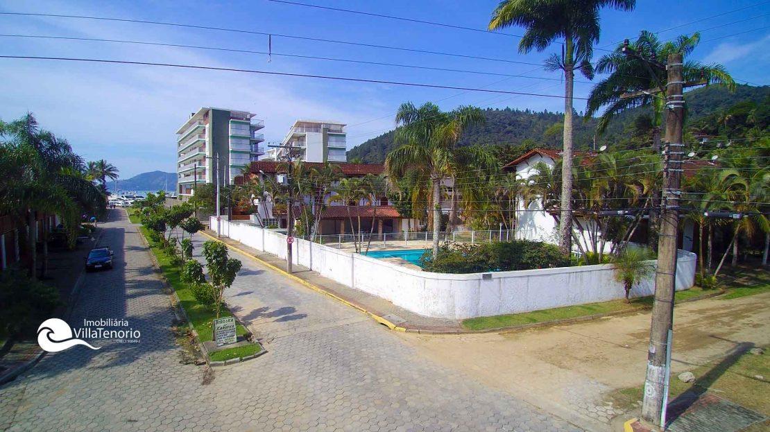 casa_apt_Ubatuba_vender_piscina
