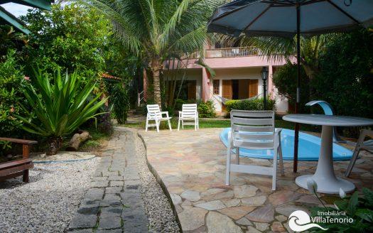 Ampla casa para vender na Praia do Pereque Mirim em Ubatuba