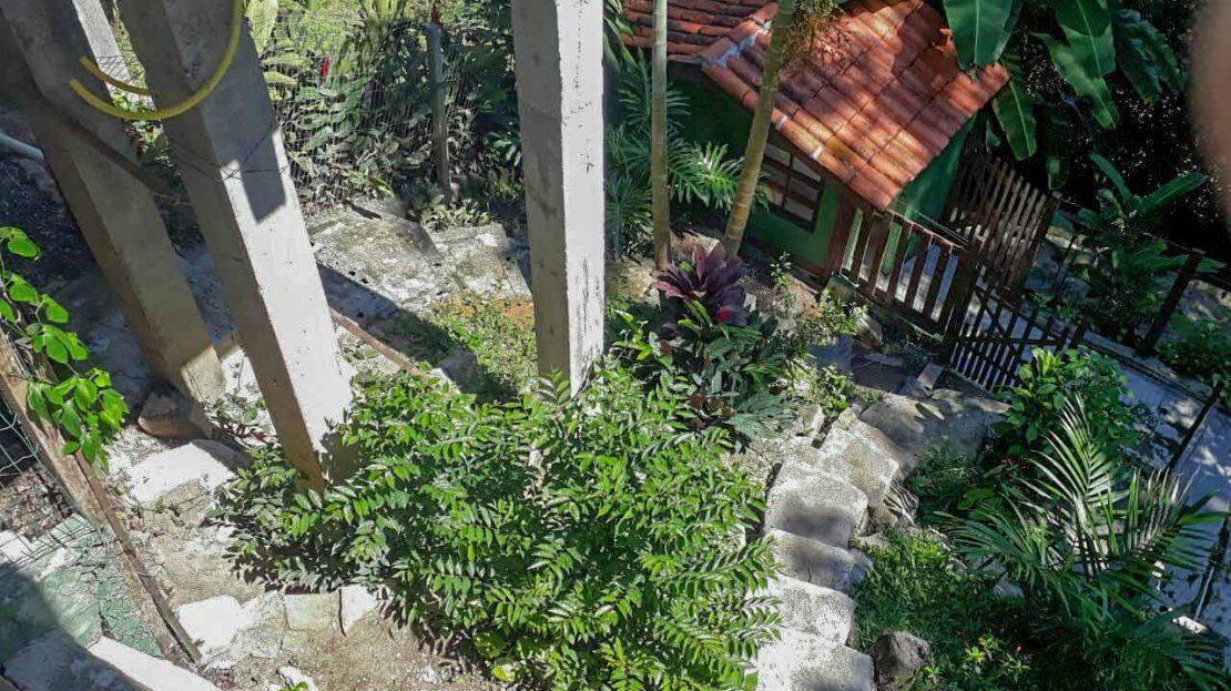 Casa_Ponta_das_Toninhas_venda_escada