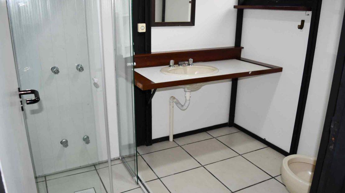 Pousada_vender_Ubatuba_suite1_banheiro