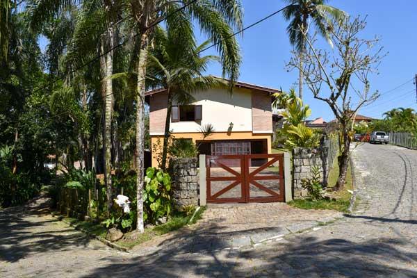 Fachada_Ubatuba_casa-praia-tenorio-vender