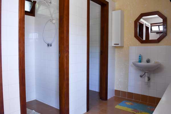 Ubatuba_casa-praia-tenorio-vender-4banheiro