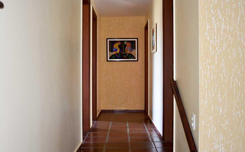 Ubatuba_casa-praia-tenorio-vender-corredor_interno