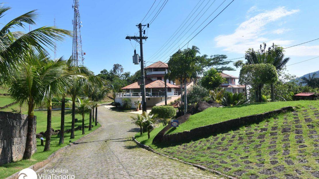 Terrenos em condominio fechado, praia Itagua, Ubatuba