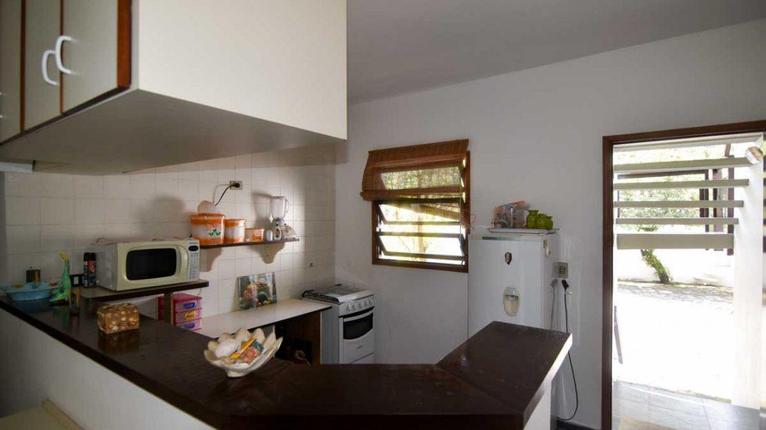 cozinha1_apartamento_saco_da_ribeira_2_dormitorios