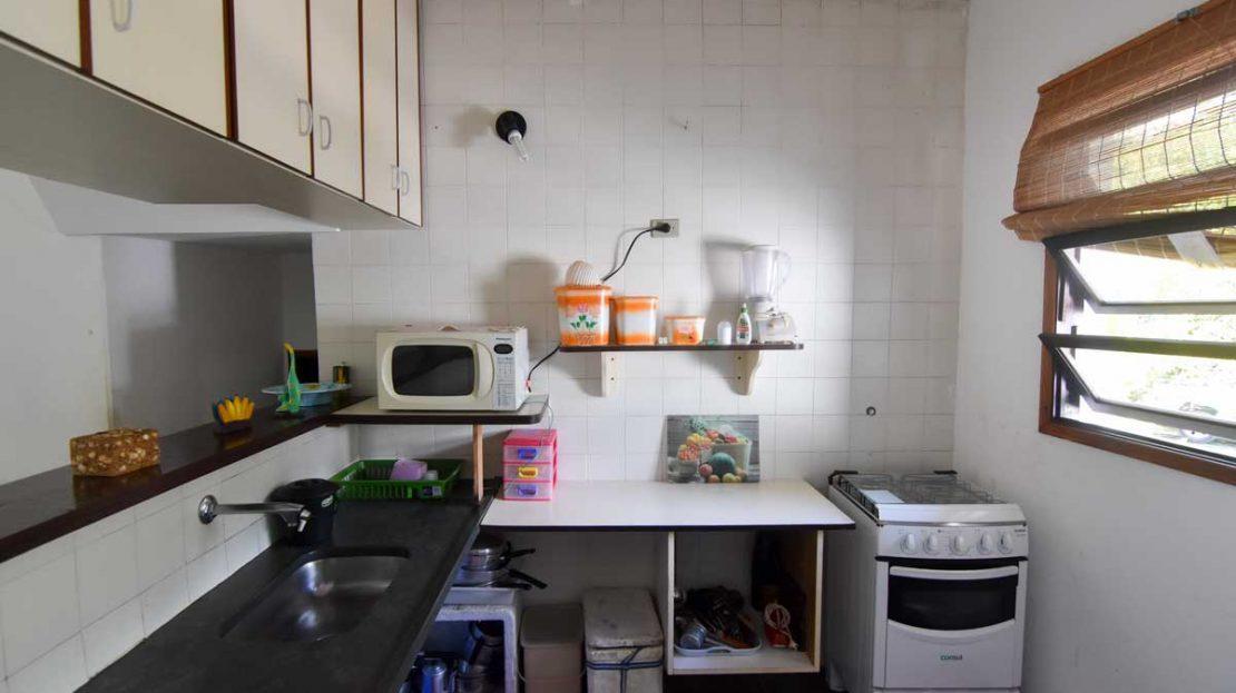 cozinha_apartamento_saco_da_ribeira_2_dormitorios