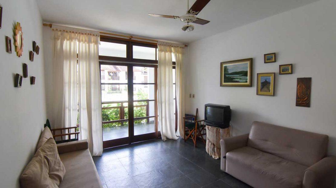 sala_apartamento_saco_da_ribeira_2_dormitorios
