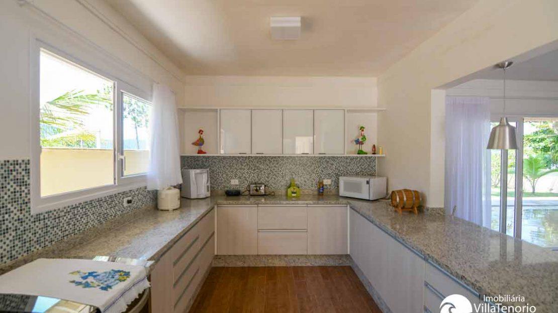casa_enseada_venda_cozinha