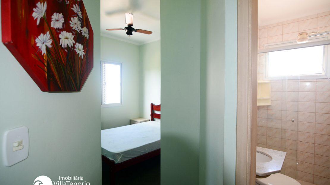 Quarto_Banheiro_Apartamento_Praia_Toninhas_Ubatuba_Vender