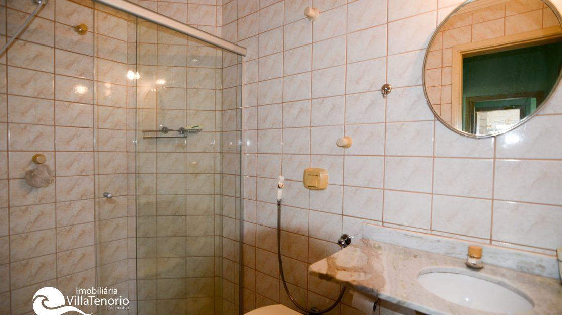 banheiro_suite_Apartamento_Praia_Toninhas_Ubatuba_Vender