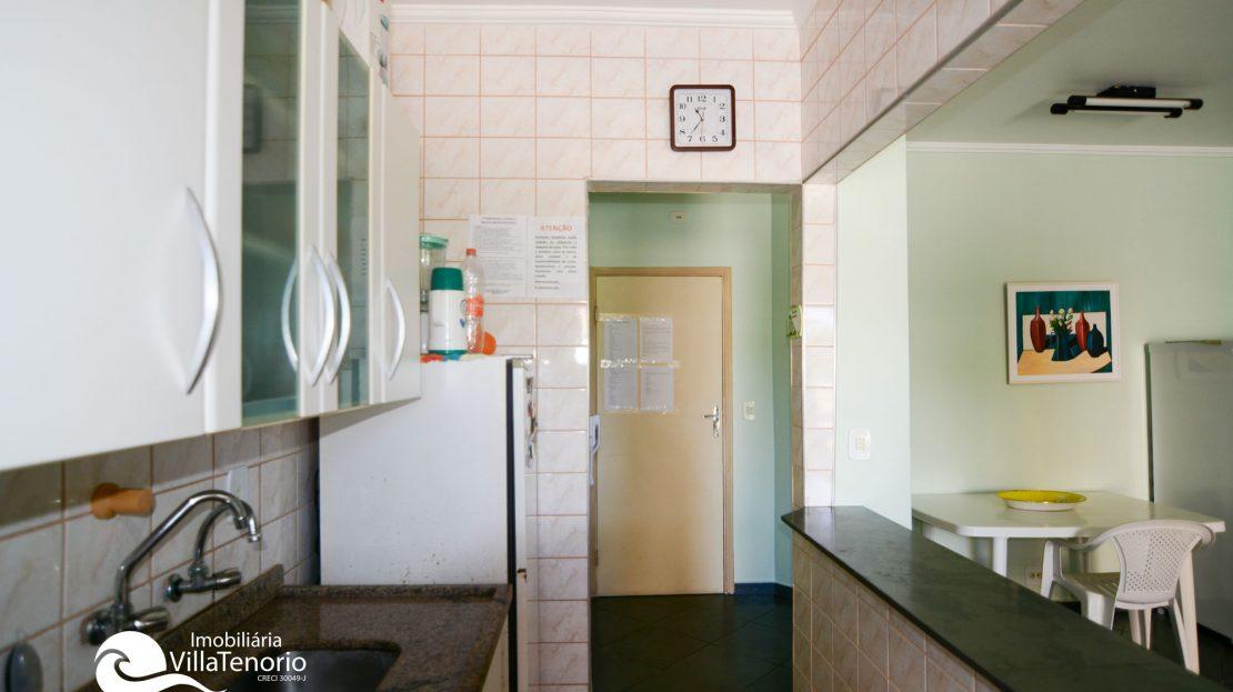 cozinha_2_Apartamento_Praia_Toninhas_Ubatuba_Vender