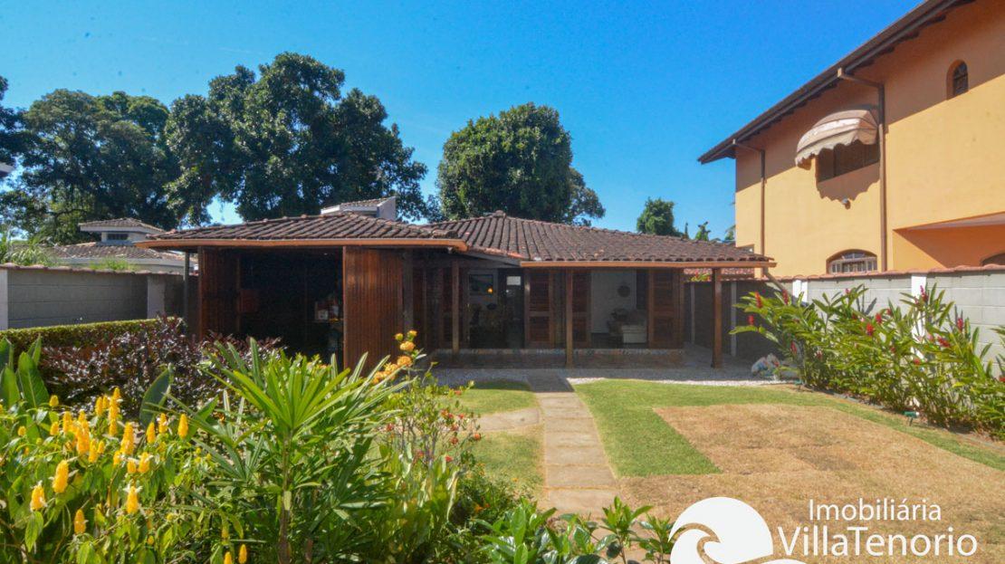 Casa_venda_centro_ubatuba_frente
