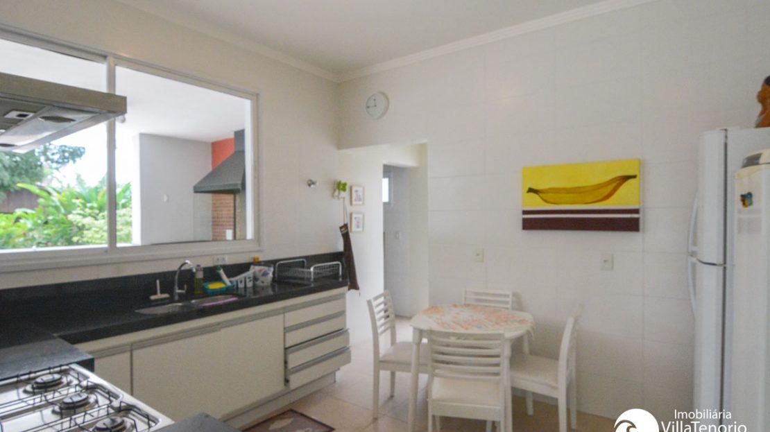 Casa_venda_praiadura_cozinha3