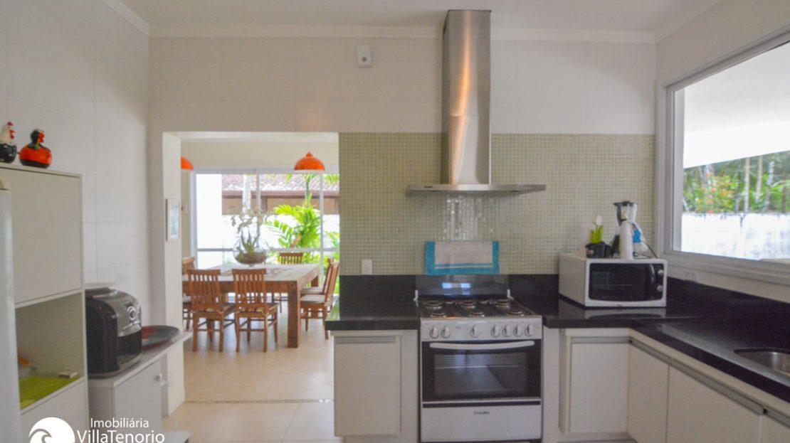 Casa_venda_praiadura_cozinha_