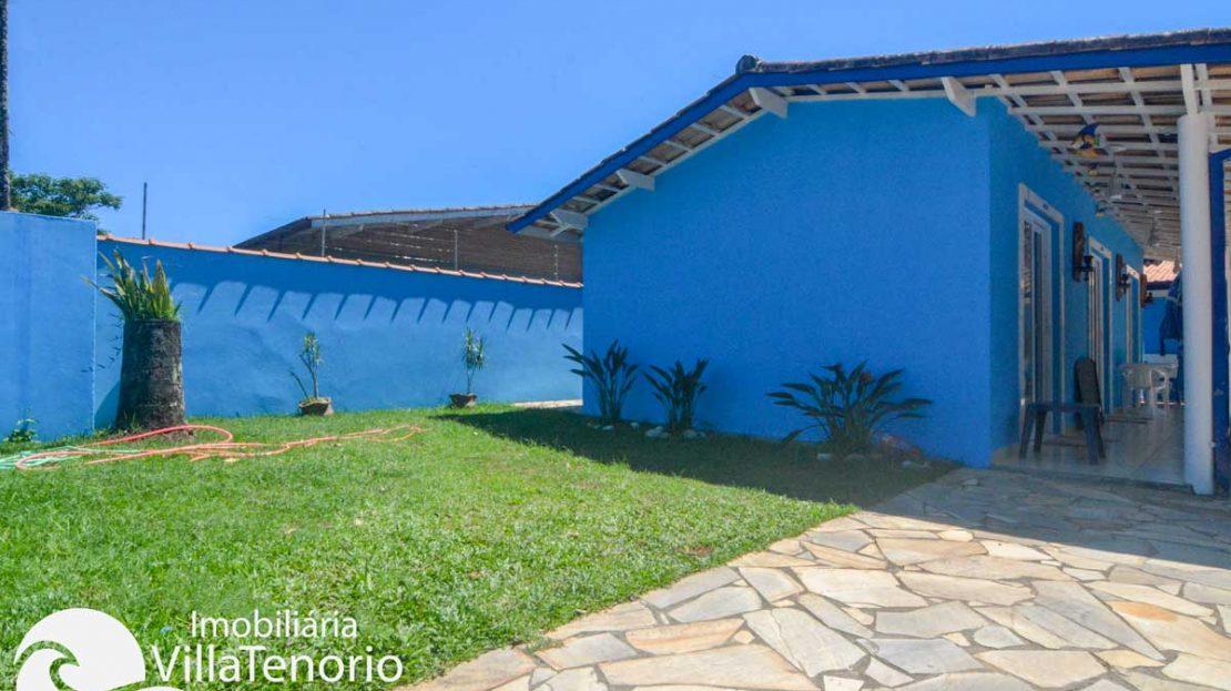 Casa-venda-enseada-ubatuba-quintal