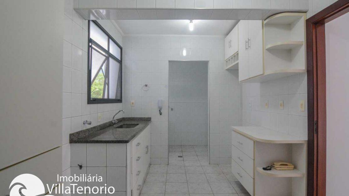 Apto-venda-ubatuba-centro-cozinha