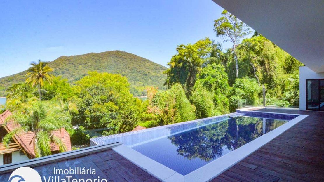 Casa-venda-santa-rita-ubatuba-vista-piscina