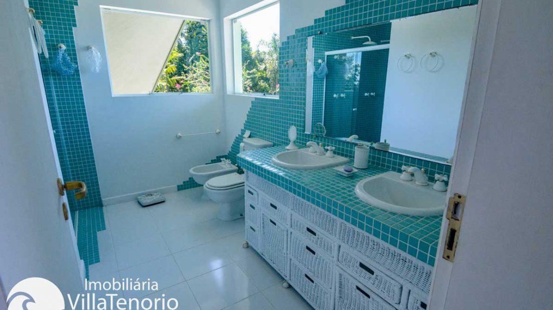 Casa-venda-ponta-grossa-ubatuba-banheiro-suite-1