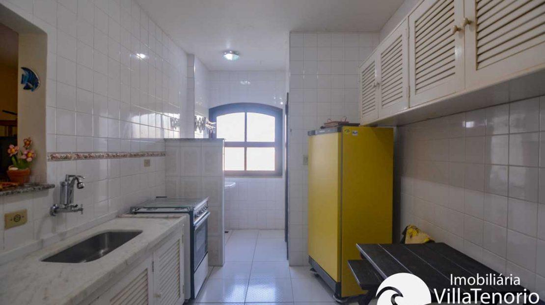 Apto-venda-tenorio-ubatuba-cozinha