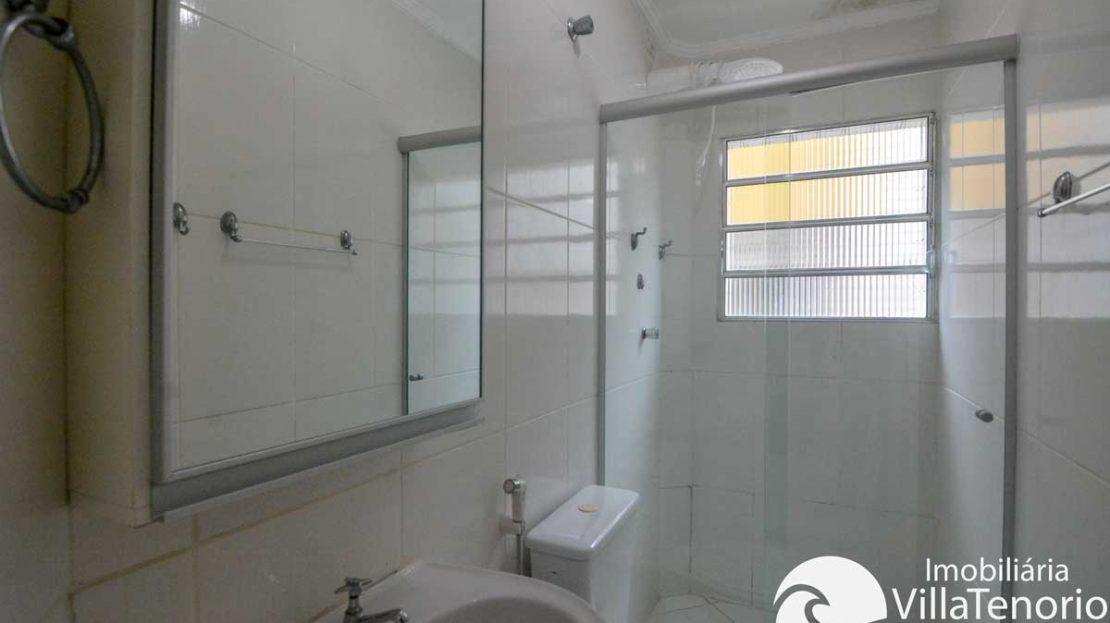 Apto-venda-toninhas-ubatuba-banheiro
