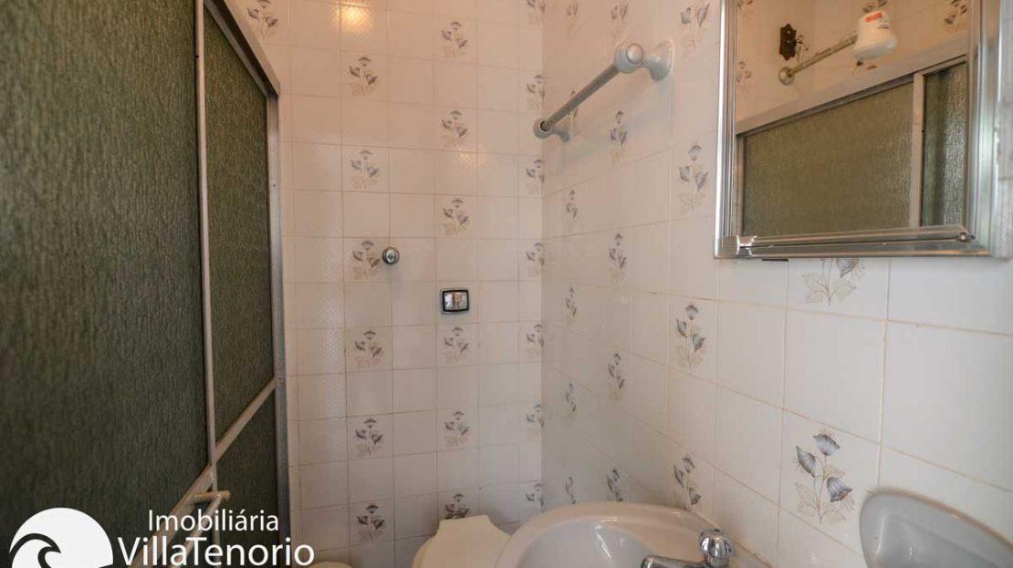 Apto-venda-lazaro-ubatuba-banheiro
