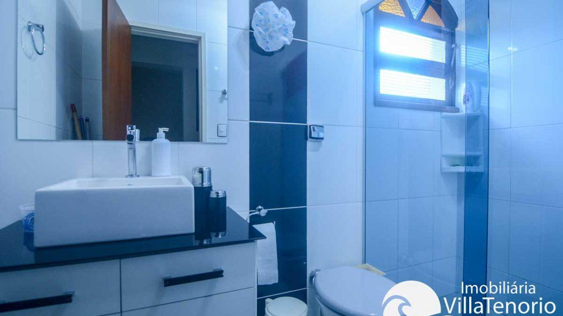 Apto-venda-lazaro-ubatuba-banheiro-3