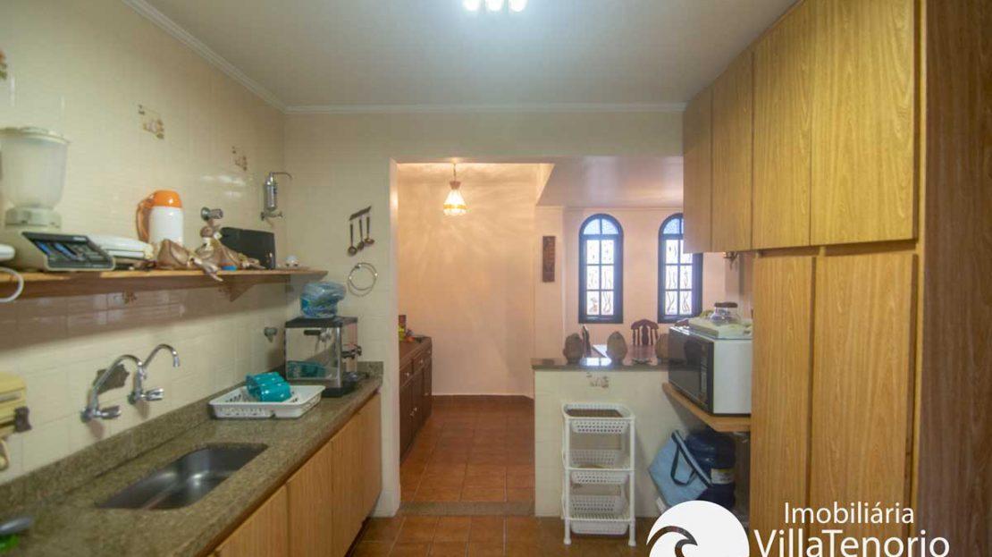 Apto-venda-lazaro-ubatuba-cozinha-2