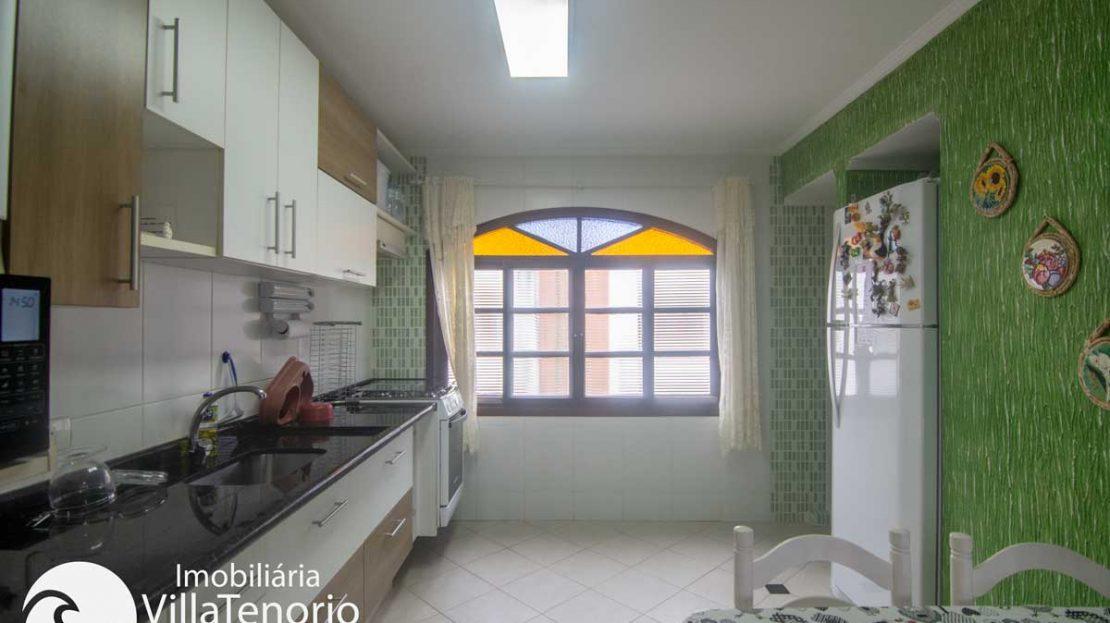 Apto-venda-lazaro-ubatuba-cozinha