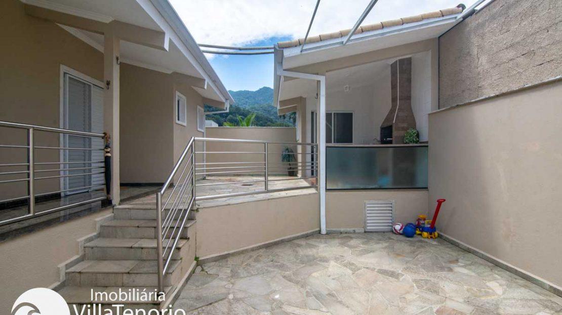 Casa-venda-condominio-ubatuba-area-gourmet
