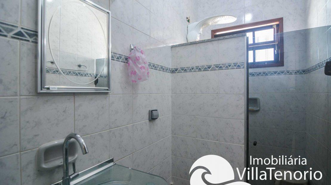 Casa-venda-centro-ubatuba-banheiro