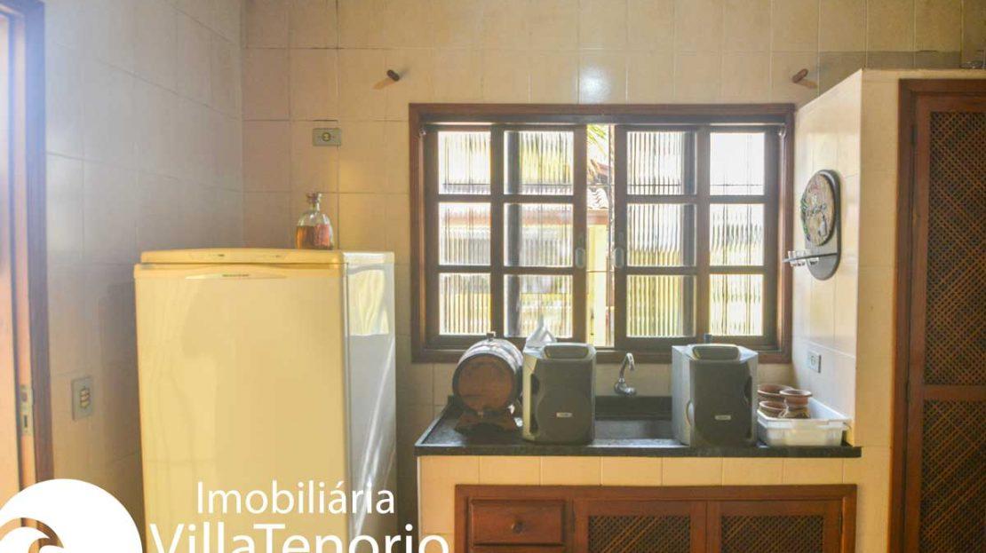Casa-venda-centro-ubatuba-cozinha-edicula