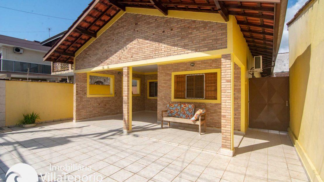 Casa-venda-centro-ubatuba-frente