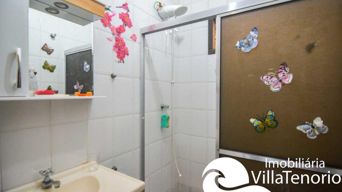 casa-para-vender-em-ubatuba-banheiro-suite