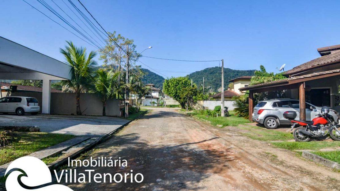 casa-para-vender-em-ubatuba-rua