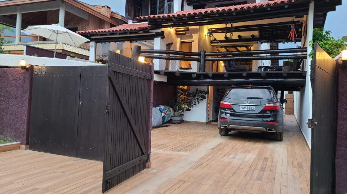 Casa alto padrão à venda na Praia da Lagoinha