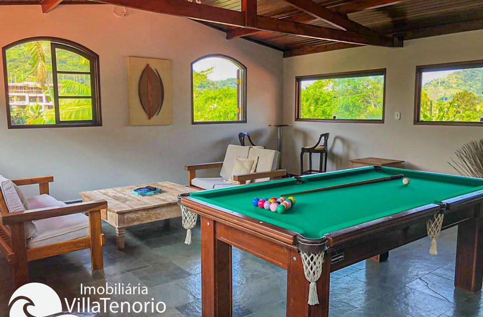 Casa 4 dormitórios à venda na Praia da Enseada em Ubatuba-SP