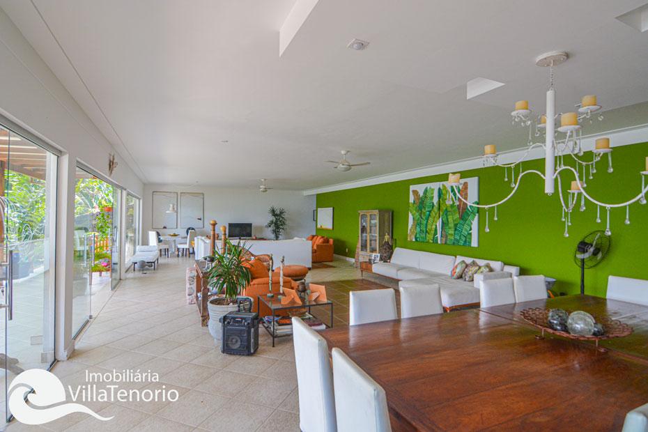 Casa com Píer para vender na Ponta Grossa em Ubatuba-SP