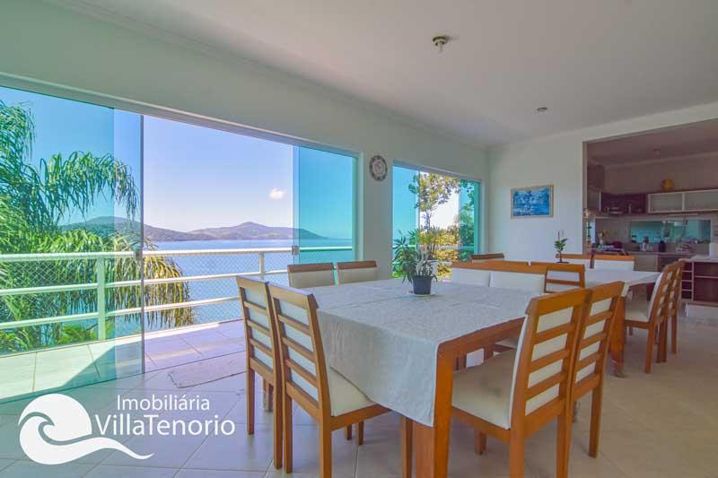 Casa alto padrão com píer, para vender na Praia de Santa Rita em Ubatuba-SP